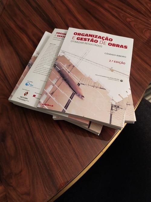 """BEC SOUTIENT LE LANCEMENT DE LA 2ème EDITION DU LIVRE """" ORGANISATION ET GESTION DES TRAVAUX """""""